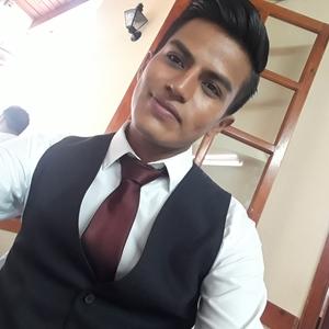 Gregory Xalapa Estudiante De Enfermeria Y Bailarin De
